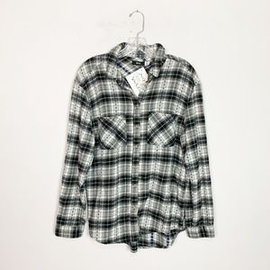 Urban Outfitters | plaid button up flannel black M